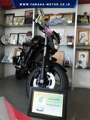 Yamaha-MT-25-Raih-Indeks-Kebahagiaan-Berkendara-Award-2016