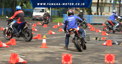RTEmagicC_Test-ride-Yamaha-Xabre-di-Sentul-International-Karting-Circuit1.jpg