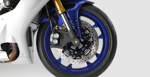 abs-with-unified-brake-system-yamaha-r1