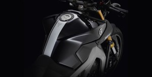 light-and-compact-yamaha-mt09